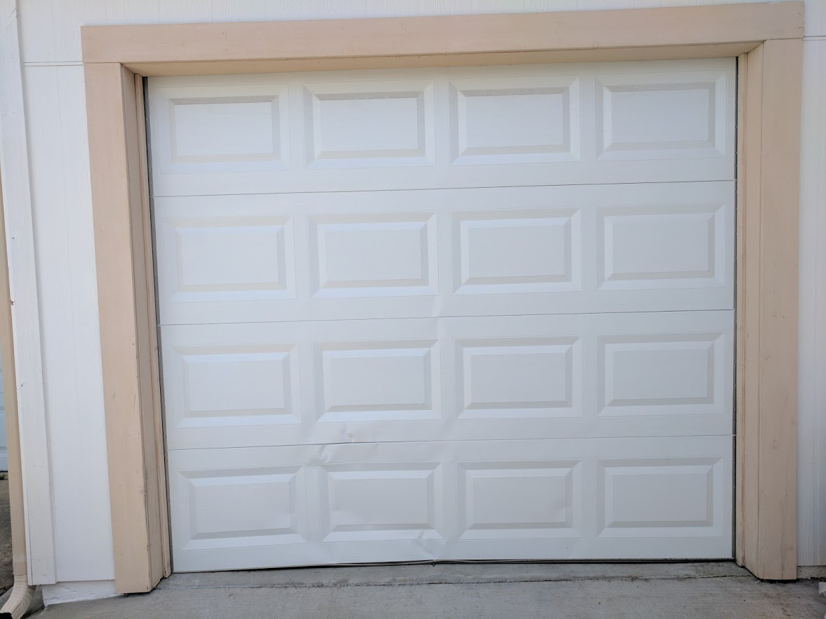 Realtor garage door fix damaged panels perfect solutions garage when we arrived and inspected the door we confirmed that only 2 panels were damaged thankfully for the realtor and the homeowner it was only two panels rubansaba